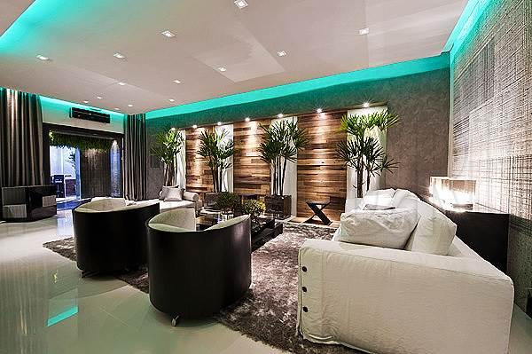 Многоцветная светодиодная подсветка потолка и потолочных ниш