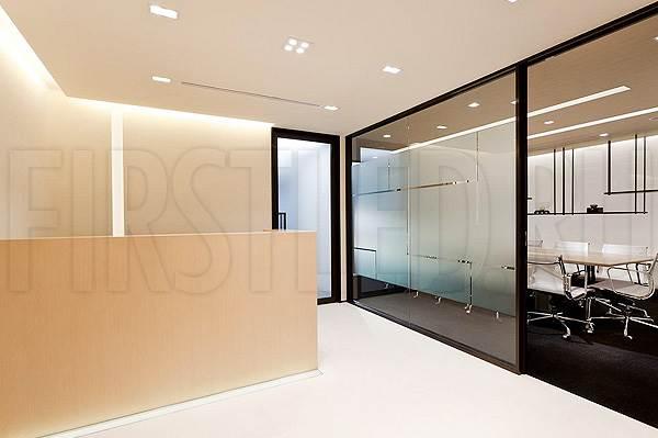 Светодиодная подсветка потолка и потолочных ниш в офисе