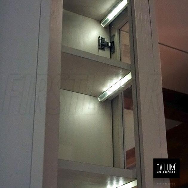 Подсветка в шкафу угловым светодиодным профилем C19.19A
