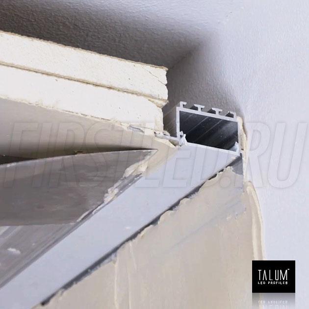 Встраиваемый алюминиевый профиль без рамок вдоль стен TALUM BORDER 24 — этап установки 2