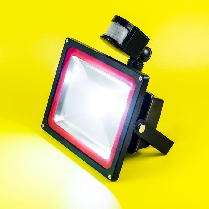 Светодиодные прожекторы с датчиком движения FLOOD PIR