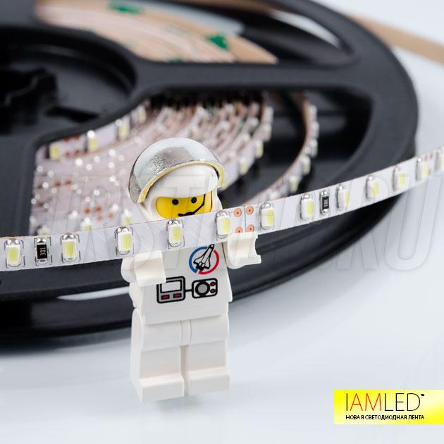 Светодиодная лента IAMLED MONO MINI 120 (5 мм) в сравнении с человечком LEGO