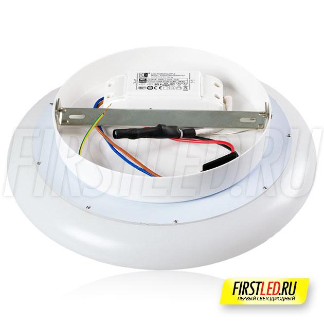 Корпус светильника ALTOR SW выполнен из двух частей: прочный пластиковый рассеиватель и алюминиевое основание с источником питания внутри