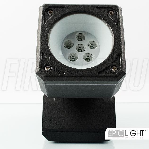 Светильник MONUMENTO Lite сделан из шести светодиодов американской компании CREE которые дают яркость в 720 Люмен