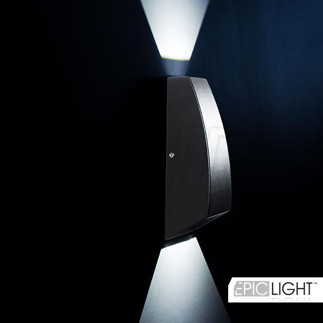 Светодиодный светильник WALL DOUBLERAY выполнен в черном алюминиевом корпусе