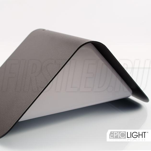 Настенный светодиодный светильник WALL TRIA треугольной формы для подсветки стен